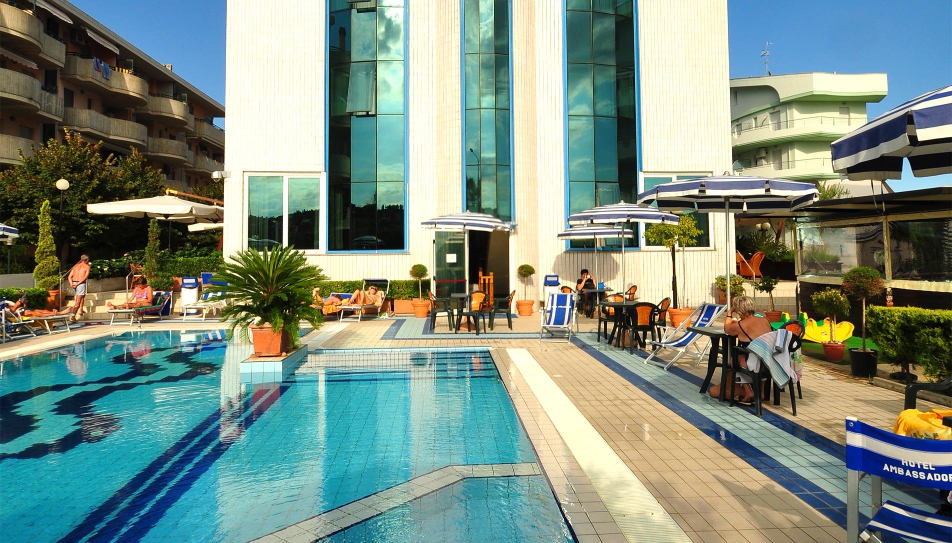 Hotel 4 stelle con piscina per vacanze con bambini sul - Hotel con piscina abruzzo ...